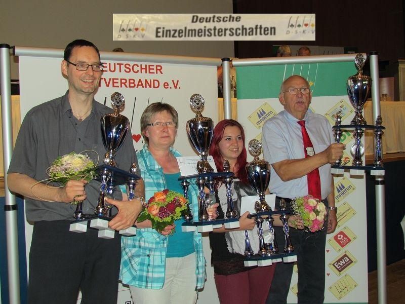 Sieger der Deutschen Einzelmeisterschaft: Thomas Kinback, Irmgard Meyer, Anna Volz , Jan Ehlers  Quelle: DSKV